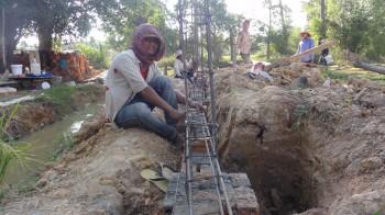 Arbeiter beim Fundament