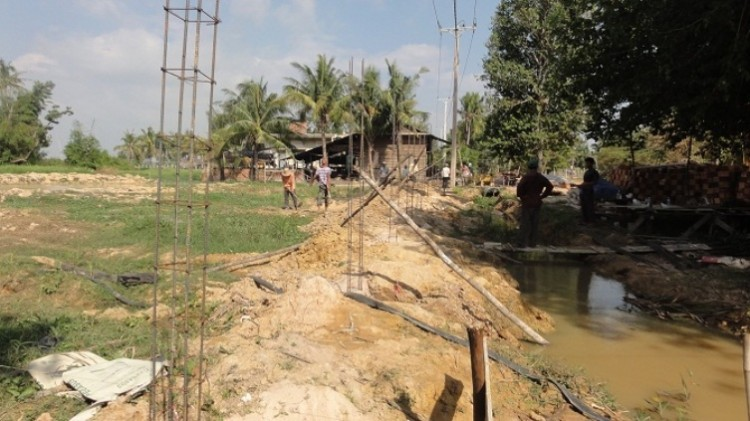 Ausschalungsarbeiten   Unser Grundstück