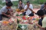 Buddhistisches Ritual auf unserem Grundstück