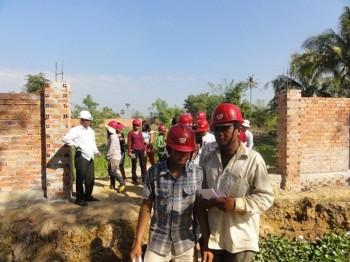 Arbeiter verlassen unser Grundstück
