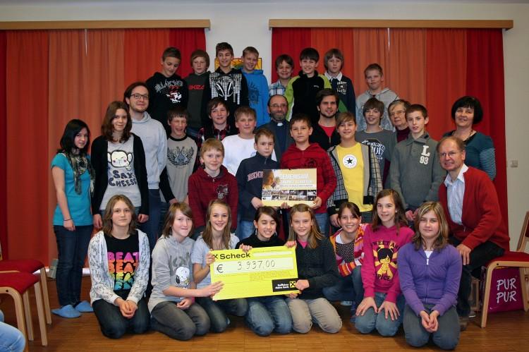 Gruppenfoto mit den Firmlingen aus Arbesbach, Altmelon und Griesbach