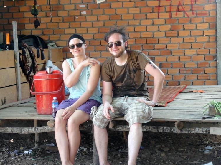 Christina und Christoph beim Grundstück