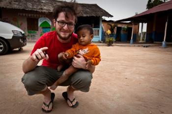 Christoph mit dem jüngsten der Waisenkinder