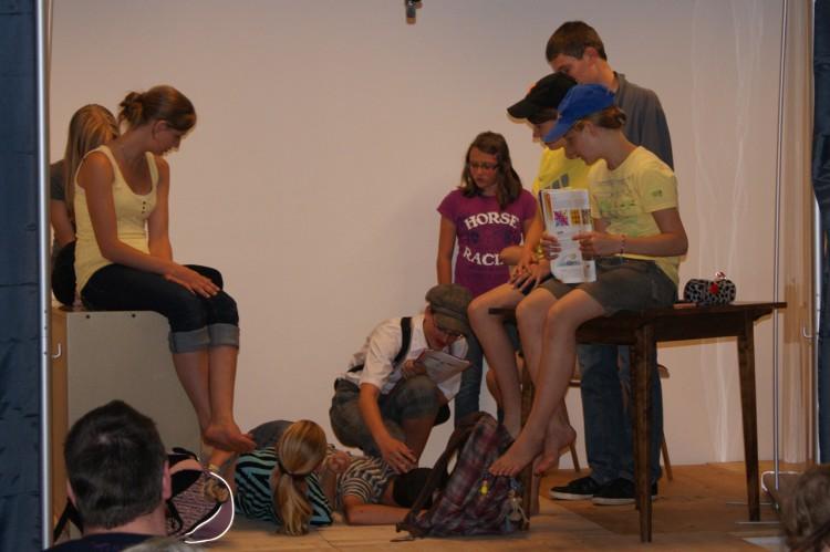 Das zweite Stück mit Jugendlichen aus Kirchbach