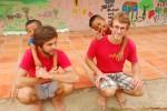 Dominik und Martin mit den Kindern