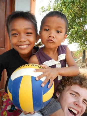 Marcus mit den Kindern