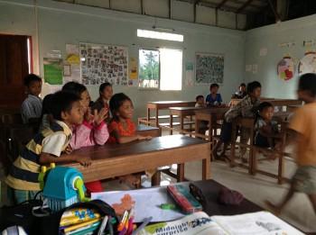 Die Kinder im Klassenraum