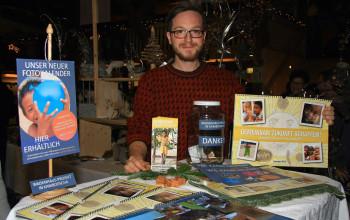 Christoph beim Kalenderverkauf in Wiesensfeld (Foto: Johann Scheiber)