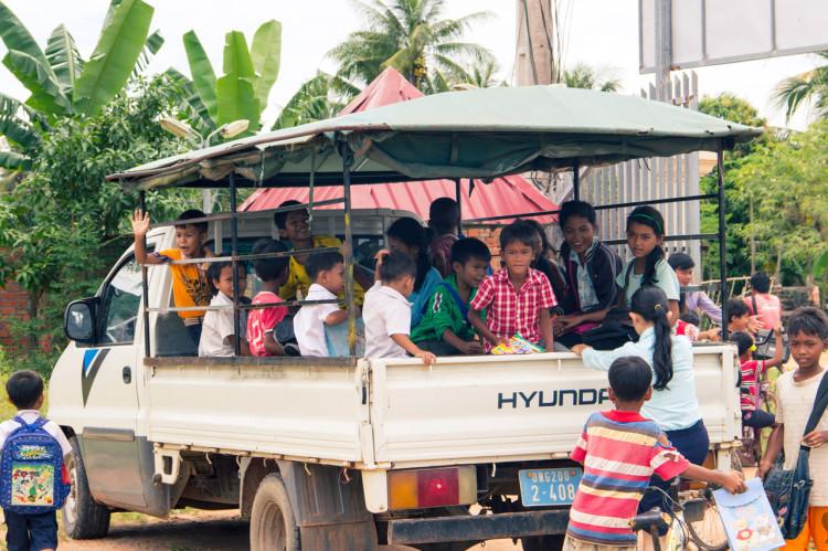 """Der """"Schulbus"""" bringt die Kinder wieder nach Hause"""