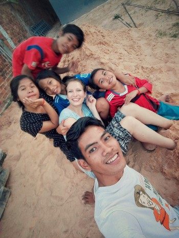 Astrid mit den Kindern